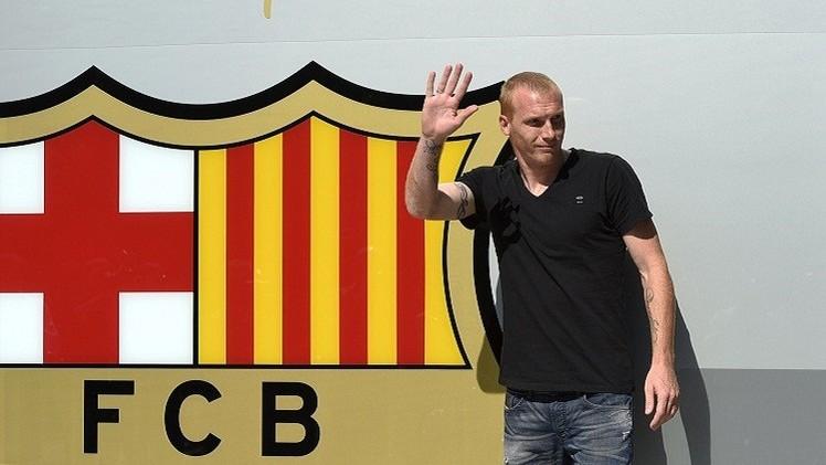 5 مدافعين على رادار برشلونة بعد الفرنسي ماثيو