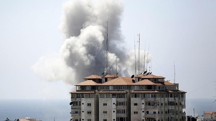 قصف غزة يدمر نادي خدمات النصيرات الرياضي