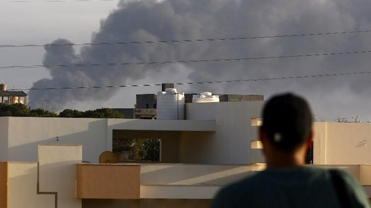 الحكومة الليبية تدعو مواطنيها المقيمين جوار منطقة الحريق إلى إخلاء منازلهم