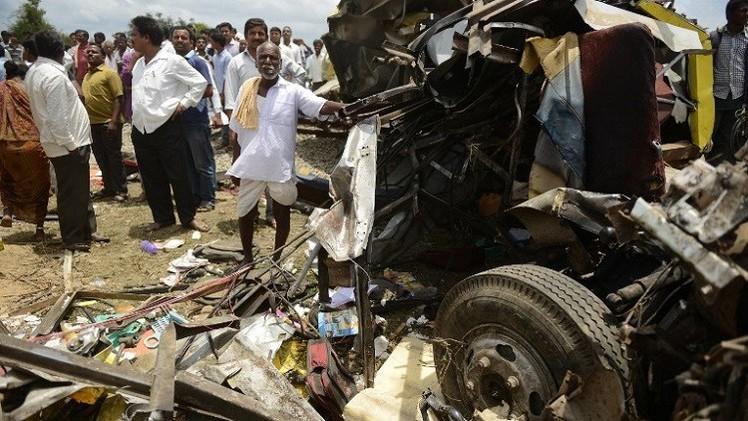 مصرع 30 شخصا بحادث سقوط حافلة في واد شمال الهند