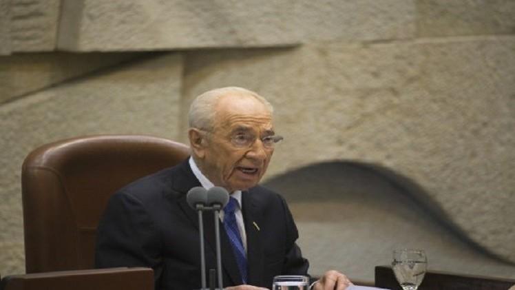 بيريز: اسرائيل استنفدت الحل العسكري في غزة