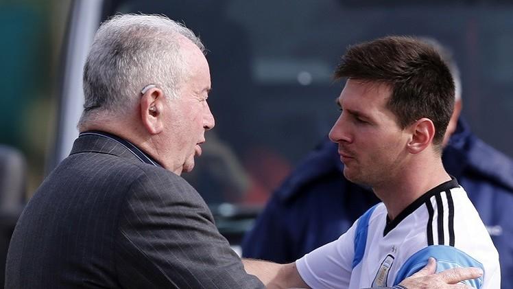 وفاة رئيس الاتحاد الأرجنتيني ونائب رئيس الفيفا غروندونا