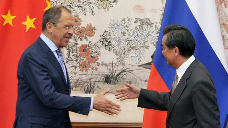 لافروف: نعوّل على دعم الصين في إنشاء بعثة إنسانية إلى جنوب شرق أوكرانيا