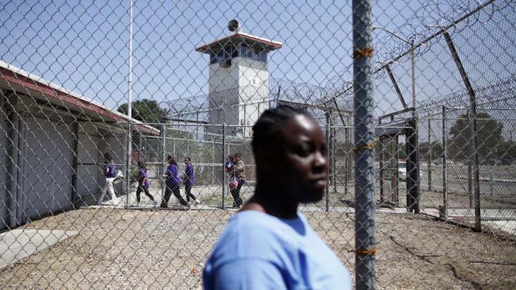 احتجاج سجينات في بريطانيا على محاربة الملابس الداخلية