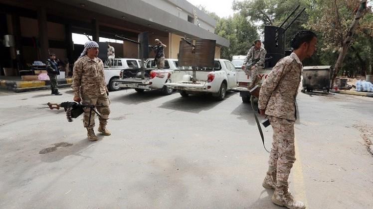 استئناف الاشتباكات والقصف العنيف جنوب العاصمة الليبية