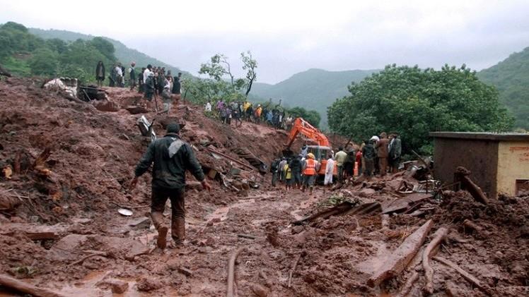 مخاوف من ارتفاع حصيلة ضحايا انزلاق التربة في الهند الى 150 قتيلا