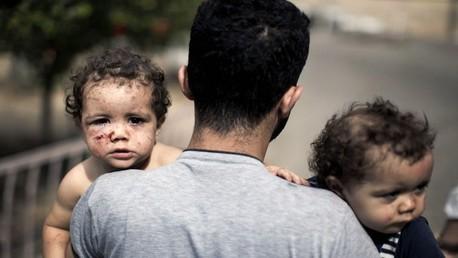 أطفال غزة وسط الحرب