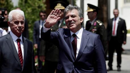 الرئيس التركي المنتهية ولايته عبدالله غول