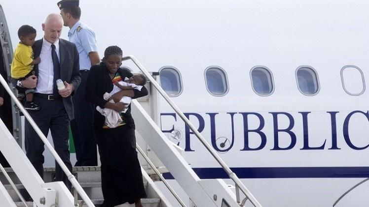 وصول السودانية المتهمة بالردة الى الولايات المتحدة