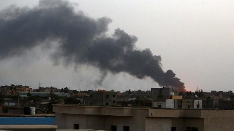 نشوب حريق في مستودع وقود رئيسي بالعاصمة الليبية في تجدد الاشتباكات