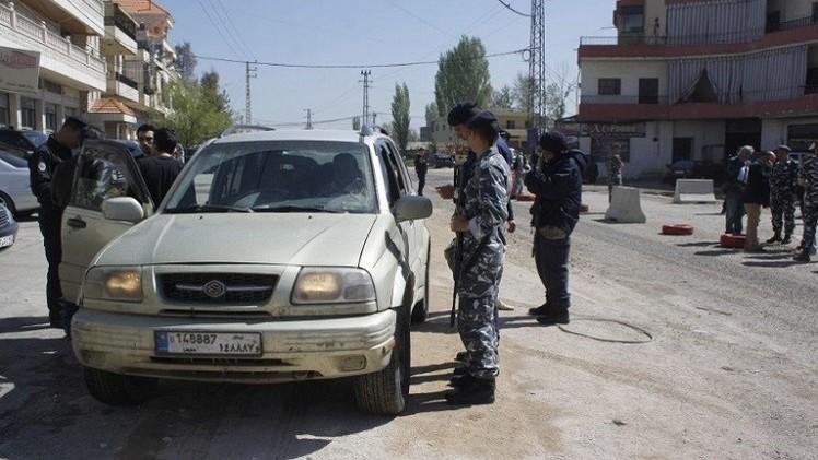 مقتل 10 جنود لبنانيين وإصابة 25 آخرين في اشتباكات مع مسلحين بعرسال