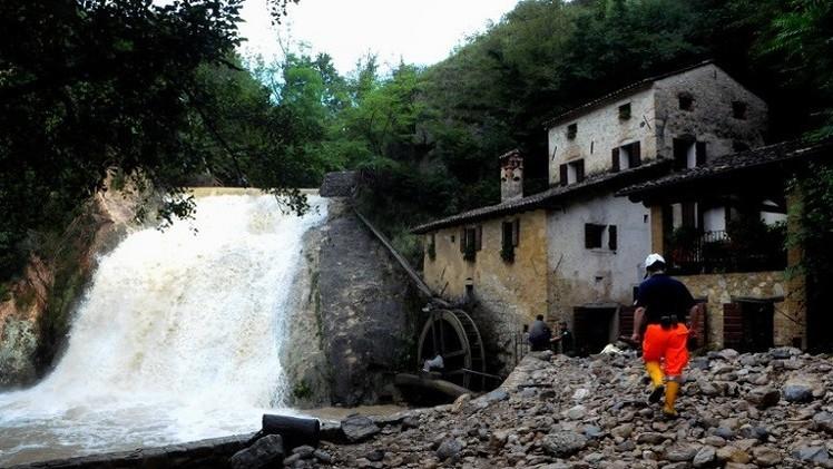 مصرع 4 أشخاص نتيجة سيول مفاجئة في شمال إيطاليا