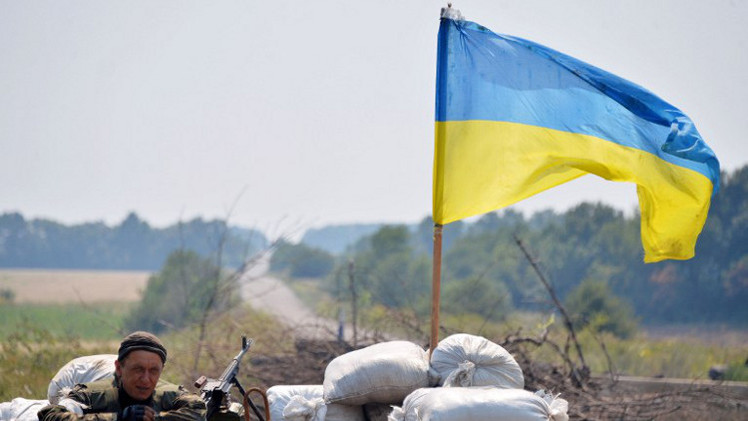 أكثر من 400 عسكري أوكراني يعبرون الحدود مع روسيا (فيديو)