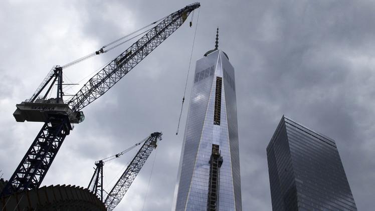 اتهام شركة مقاولات مكلفة بأعمال داخل مركز التجارة العالمي 1 بالاحتيال