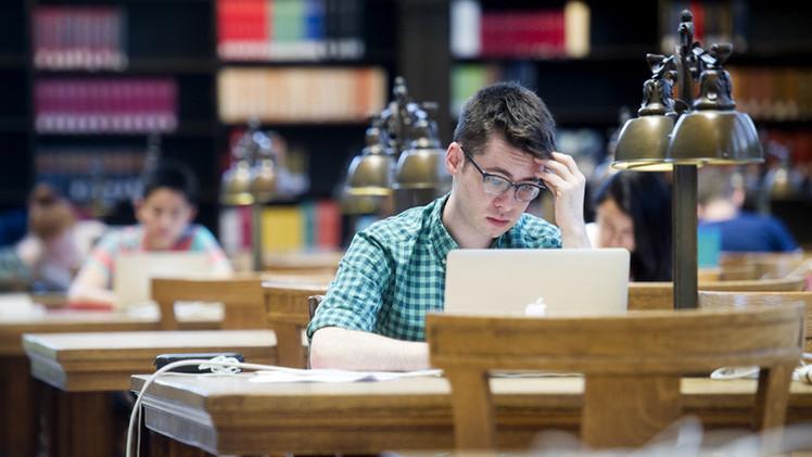 جامعات بريطانية تبدأ بإعداد جواسيس إلكترونيين