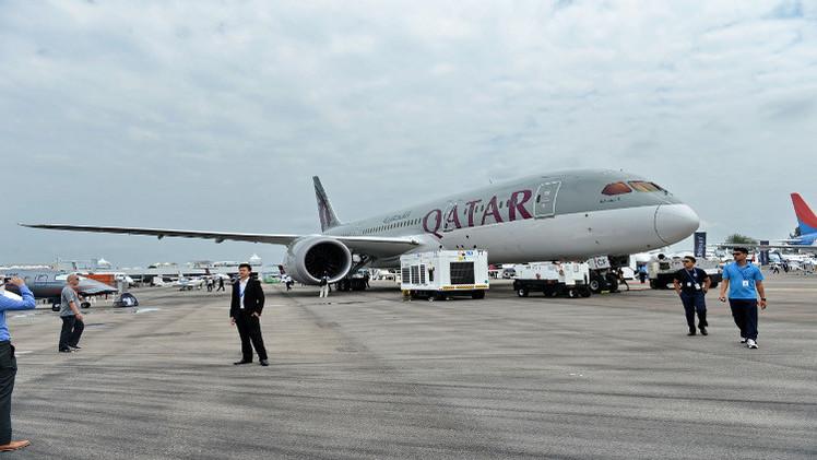 اعتقال رجل على الطائرة القطرية للاشتباه بتقدمه ببلاغ كاذب عن قنبلة