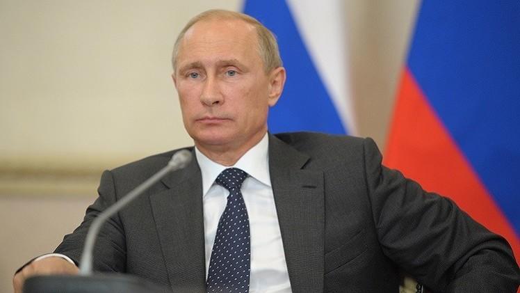 بوتين يكلف الحكومة الروسية بالرد على العقوبات الغربية