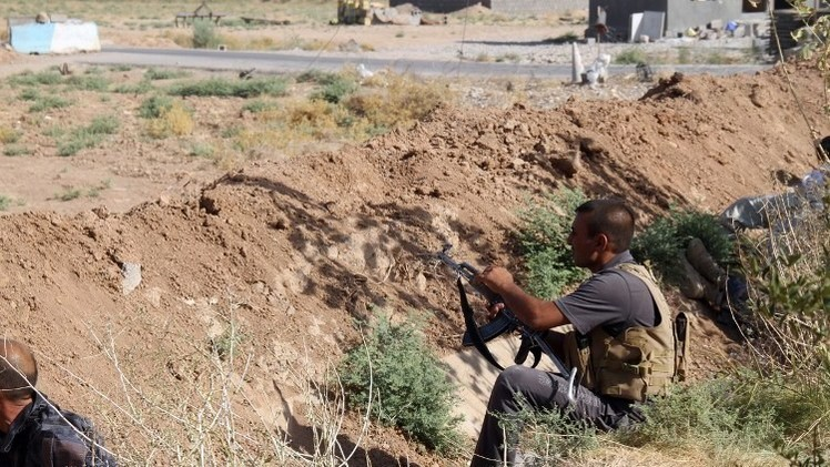 القوات الكردية تشتبك مع