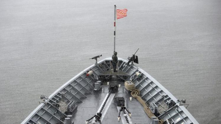 طراد أمريكي حامل للصواريخ يدخل البحر الأسود