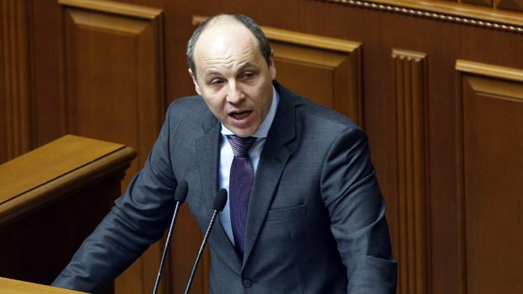 بوروشينكو يقبل استقالة سكرتير مجلس الأمن والدفاع الأوكراني