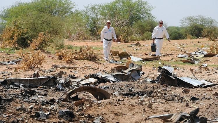 محققون: تسجيلات محادثات الطائرة الجزائرية المنكوبة