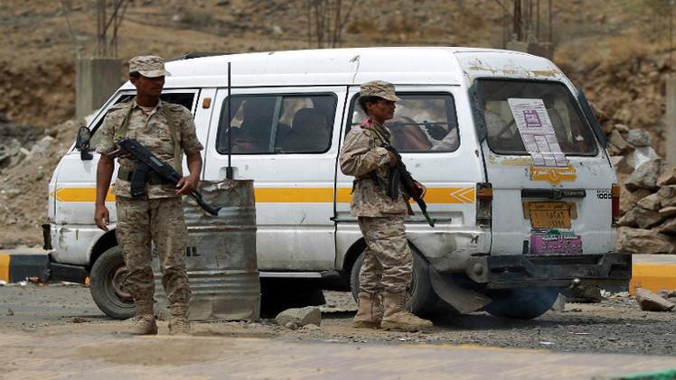 مقتل 11 مسلحا و 4 جنود بهجومين للقاعدة في اليمن