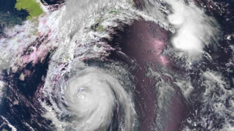 اليابان تعلن حالة الإنذار بجزيرة هونشو تحسبا من إعصار هالونغ وتلغي 470 رحلة جوية