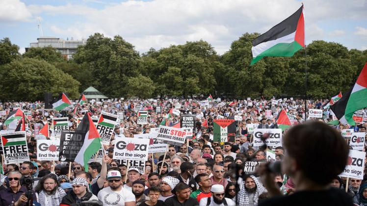 عشرات آلاف المتظاهرين في لندن تضامنا مع الشعب الفلسطيني