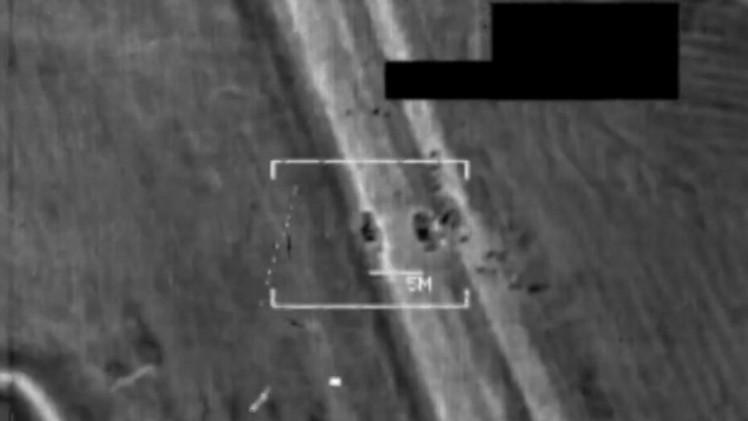 الطائرات الأمريكية تقصف مواقع