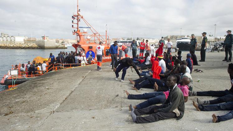 الحرس الاسباني ينقذ حياة اكثر من 830 مهاجرا في جبل طارق