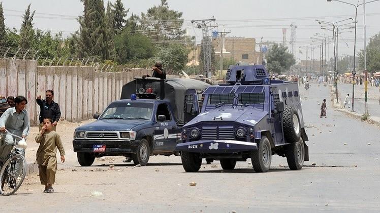 مقتل شخص وإصابة شرطيين في هجوم على مطار مدينة كويتا غرب باكستان