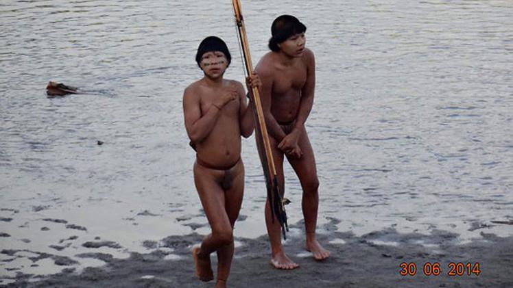 البرازيل.. موجة ثانية من الهنود الحمر تهجر الغابات