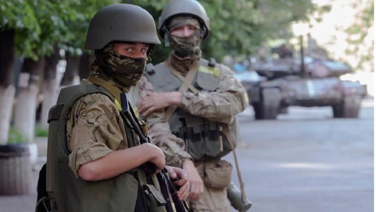 كندا ترسل ثالث دفعة من معدات عسكرية غير فتاكة إلى أوكرانيا