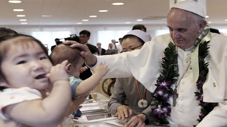 البابا يدعو دولا آسيوية لا تقيم علاقات مع الفاتيكان إلى الحوار معه