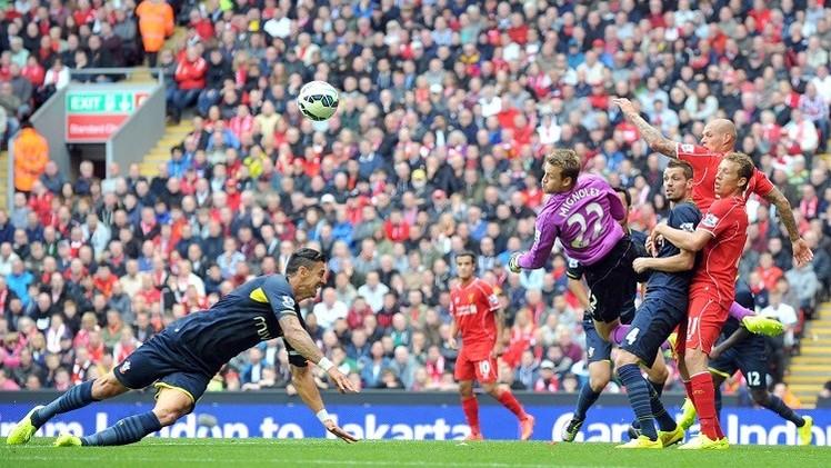 ليفربول يفوز على ضيفه ساوثهامبتون بشق الأنفس