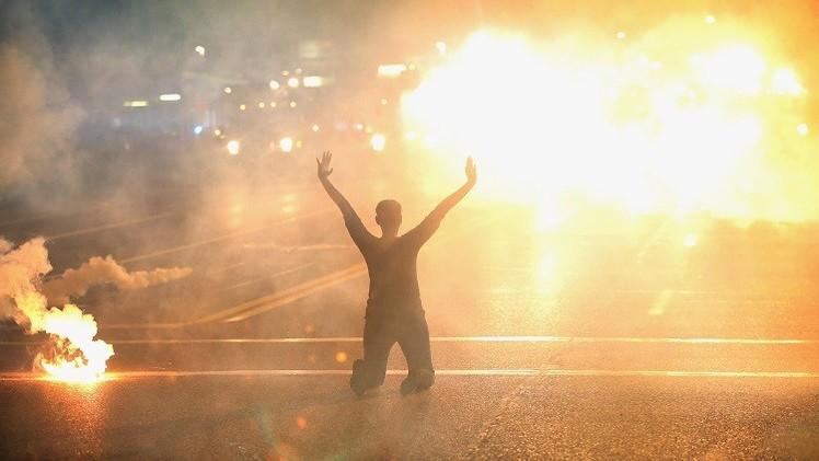 بان يدعو السلطات الأمريكية إلى حماية حق التظاهر السلمي