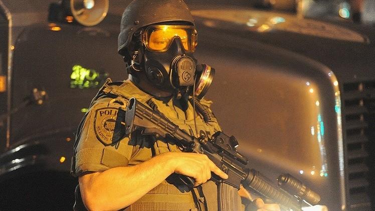 مقتل شخص بنار عناصر الشرطة الأمريكية على مقربة من مدينة فيرغسون وإيقاف 47 شخصا