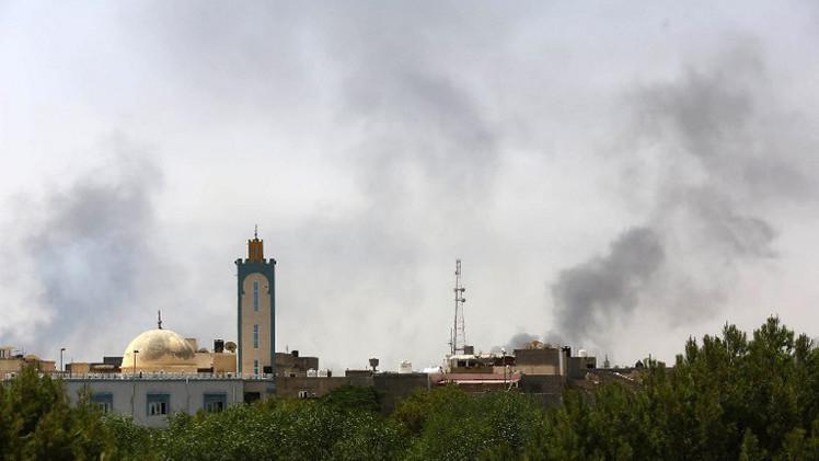 تجدد الاشتباكات العنيفة في طرابلس وبنغازي