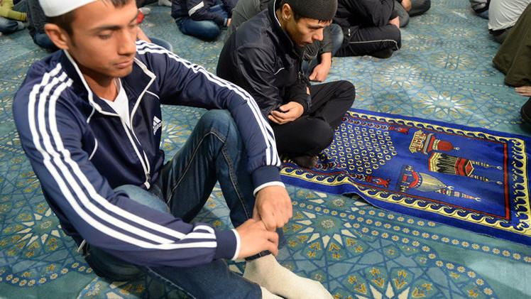 داغستان...ابتكار سجادة للصلاة تحصي عدد الركعات