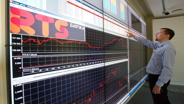 تراجع الأسهم الروسية مع تحذير موسكو من عرقلة قافلة مساعدات لأوكرانيا