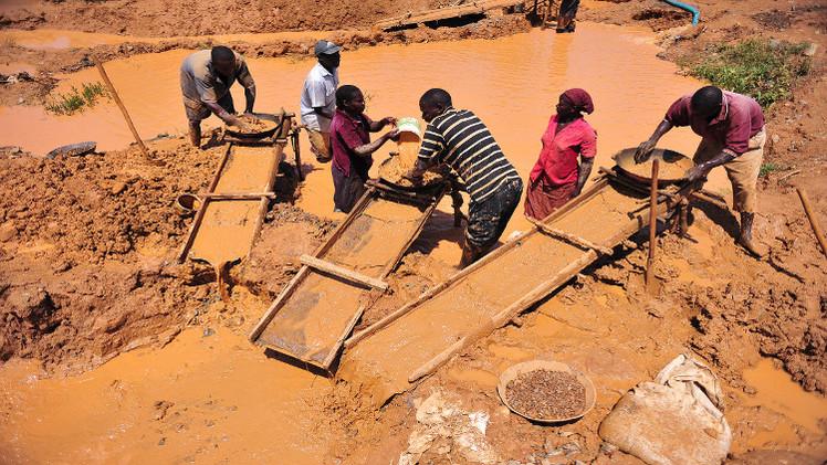 مقتل 25 شخصا بانهيار منجم ذهب في إفريقيا الوسطى