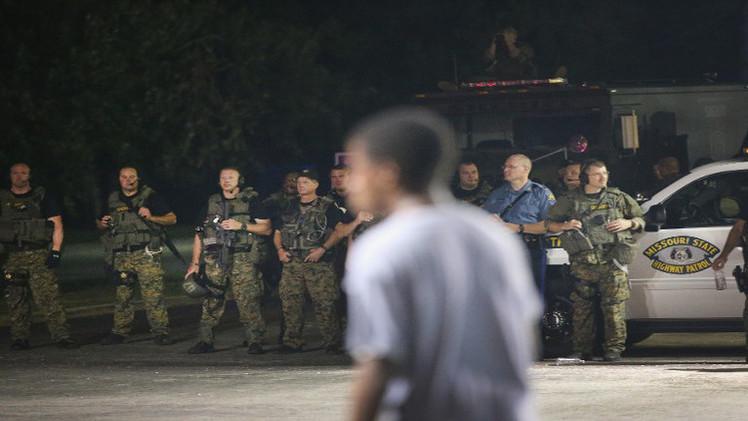 أوباما يطالب بإعادة النظر في أسلحة الشرطة الأمريكية