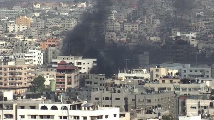 غزة.. قتيلان وعشرات الجرحى وطيران اسرائيل يدمر أبراجا سكنية بالكامل