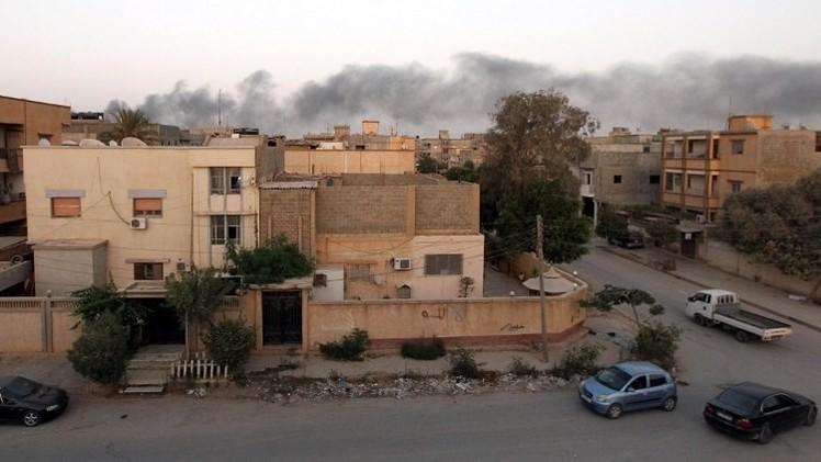 مصر تنفي شن غارات على مواقع لإسلاميين ليبيين في طرابلس