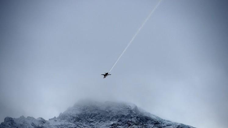 إصابة 6 أشخاص  بجروح بالغة في اصطدام طائرتين خفيفتين في أجواء سويسرا