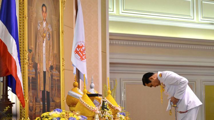 ملك تايلاند يصادق على تعيين قائد المجلس العسكري رئيسا للوزراء