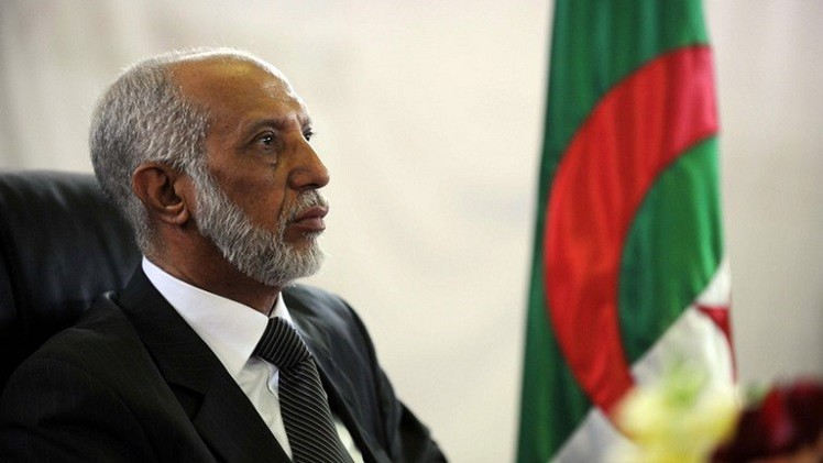 الرئيس الجزائري يعزل مستشاره الخاص بلخادم