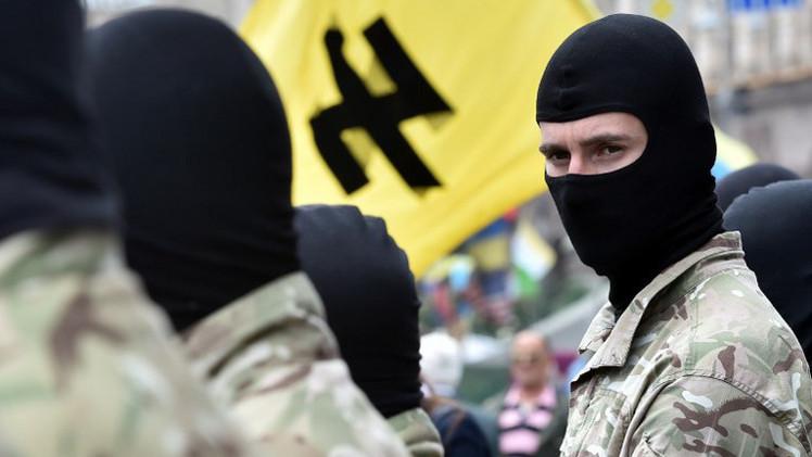 عودة صحفيين إلى القرم بعد احتجازهما في شرق أوكرانيا من قبل