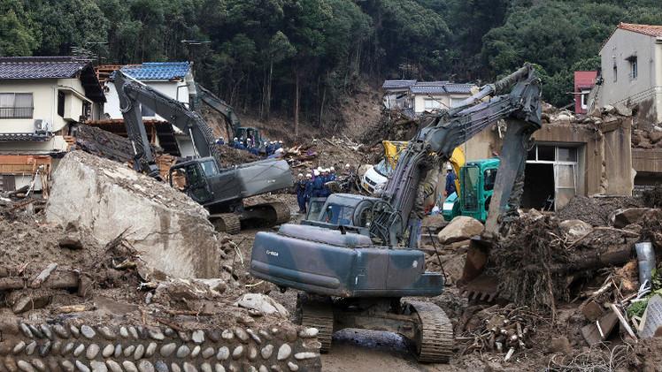 عدد ضحايا الانزلاقات الأرضية في اليابان يتجاوز الـ 70