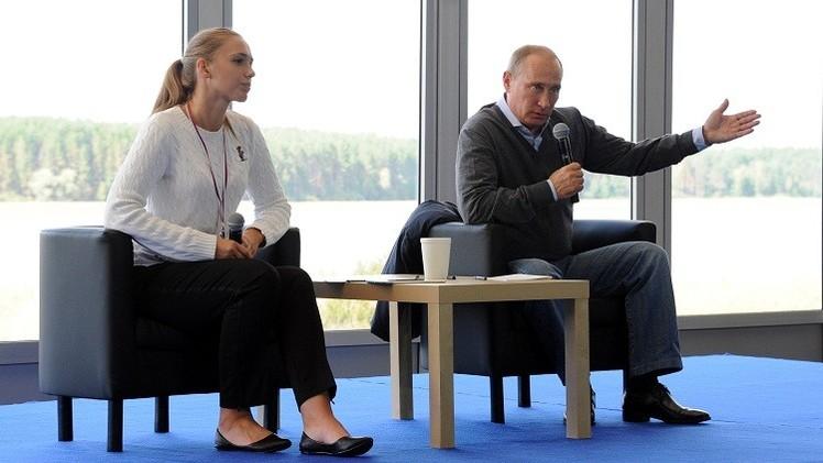 بوتين يؤكد عدم تقليص عدد ملاعب كأس العالم 2018 في روسيا